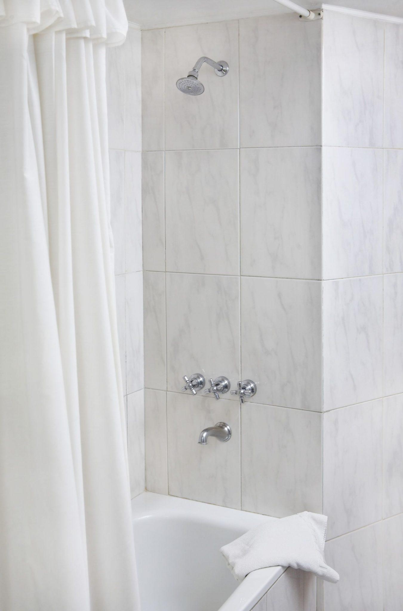 Bathtub Liners Archives - Luxury Bathroom Remodeling - One Day Bath ...