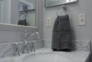 Professional Tips For A Fast Bathroom Remodel-Screen-Shot-2016-03-24-at-12.44.49-PM-300x202