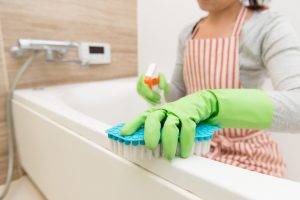 Bathroom Mold Prevention Tips For Homeowners-shutterstock_347983049-300x200