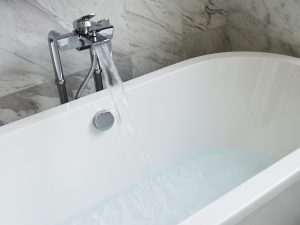 Best Bathroom and Kitchen Cleaning Tips-bathtub-890227_1920-300x225