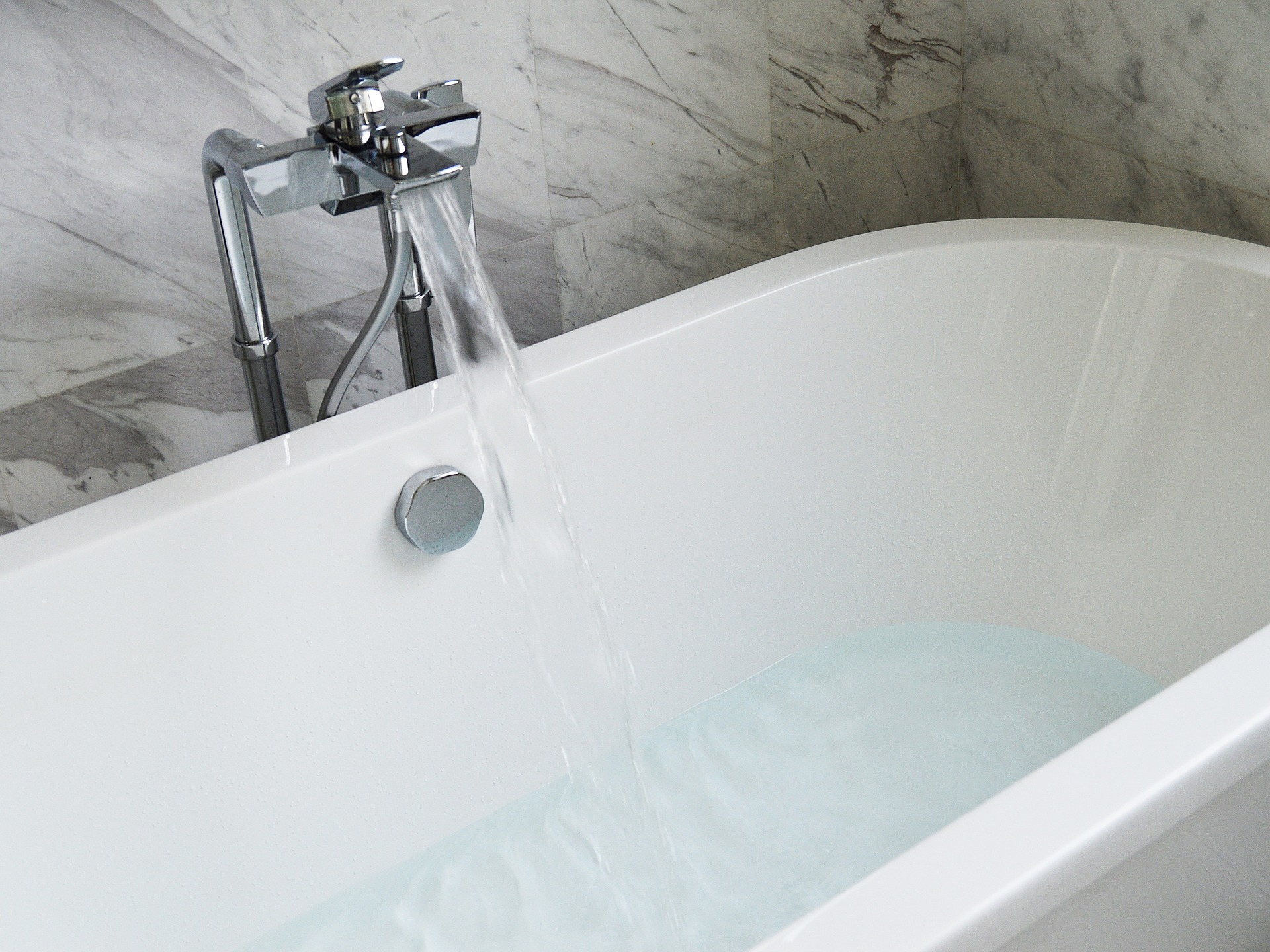 Best Bathroom And Kitchen Cleaning Tips Bathtub 890227_1920 300x225
