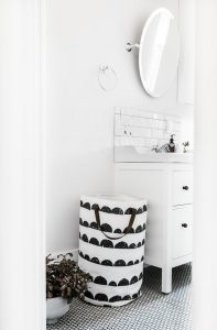 5 Ways to Add Personality to Your Bathroom-photo-1507426224168-cc2fefe22fc4-197x300
