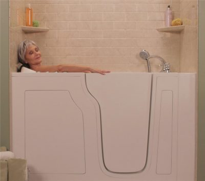 What Are the Benefits of a Walk-In Tub?-2cc6c1d0-8d8c-4c98-873e-200fcf19f66c-e1516653955878
