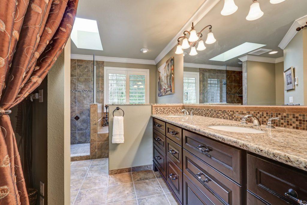 How Columbus Bath Design by Luxury Bath Can Transform Your Bathroom-shutterstock_578500117-1024x683