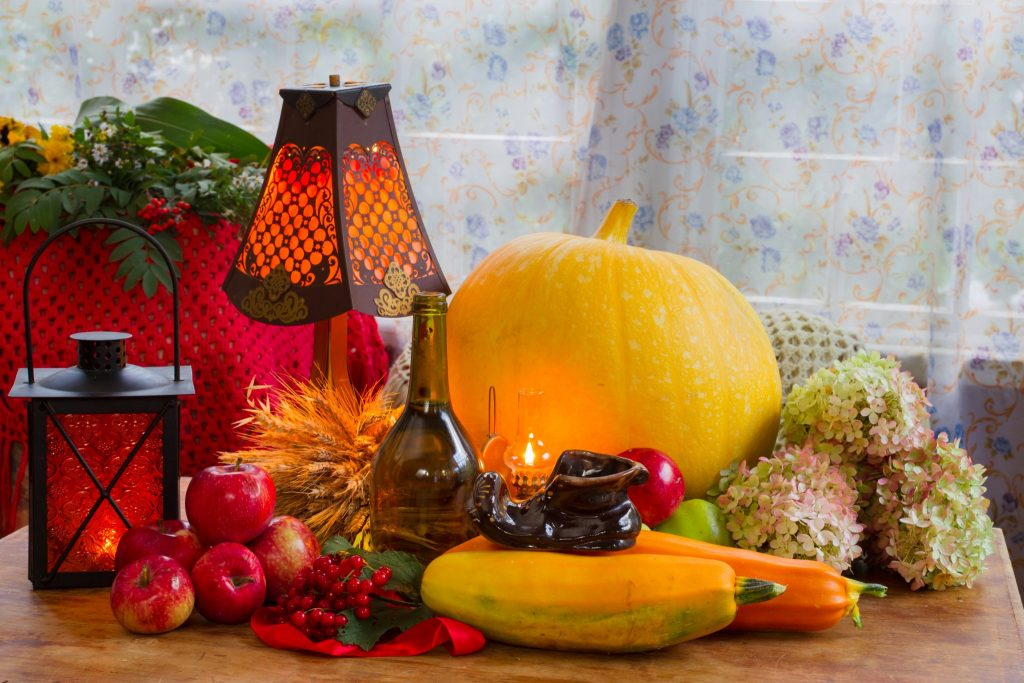 Decorating Your Bathroom for Thanksgiving-shutterstock_477341071-1024x683