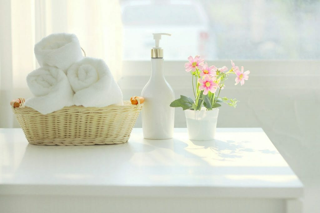 How To Decorate Your Bathroom For Spring-shutterstock_1377398738-1024x683